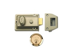 Yale 77 Traditional Reversible Nightlatch