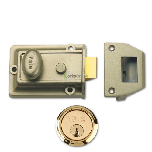 Main photo of Yale 77 & 706 Traditional Reversible Nightlatch