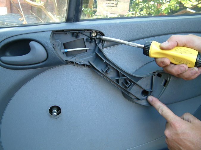 Armaplate Fitting Guide Mercedes Sprinter Front Doors